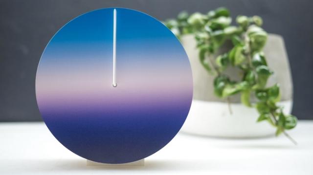 空の色で時間を見るおしゃれでナチュラルな24時間型針時計Today