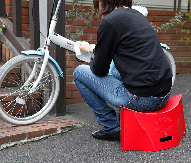 どこにでも楽に持ち運べるかわいい折りたたみ椅子_10