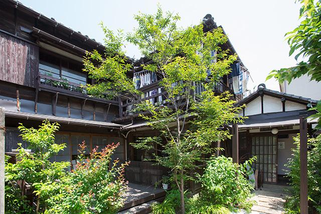 上野桜木あたりという古き良き日本の家である古民家のリノベについてkurachiffonの瀧内未来さんにインタビューの素敵な家
