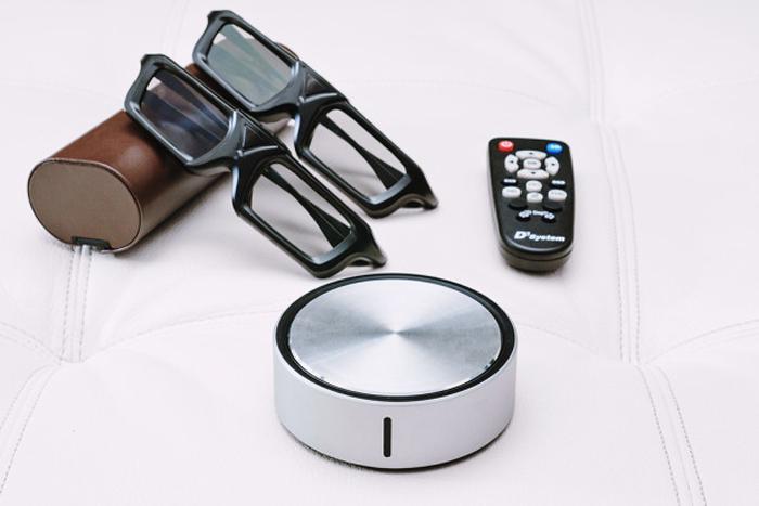 あらゆる2D映像を3Dに変えてしまう天才的なガジェットが、たったの130ドルで買えるtop