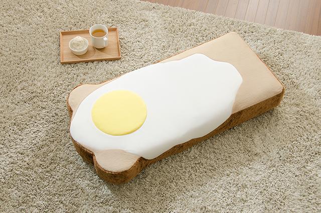 ラピュタパンみたいにかわいくておもしろい目玉焼き食パン座椅子_2