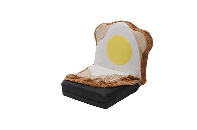 ラピュタパンみたいにかわいくておもしろい目玉焼き食パン座椅子_3