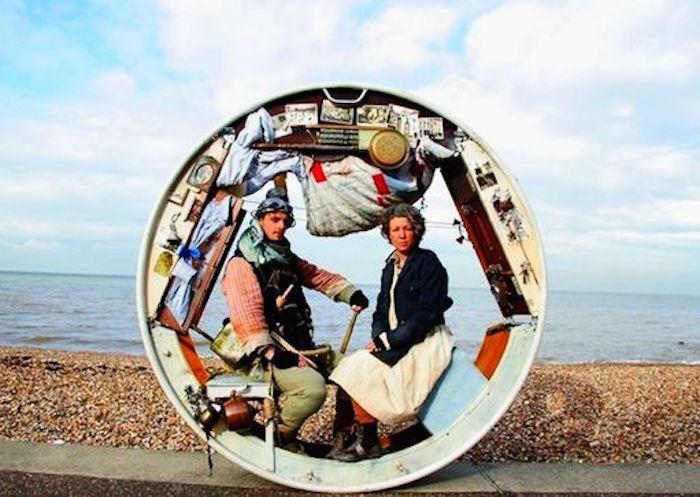 車輪で暮らすAcrojouの二人組Jeni BarnardさんとBarney Whiteさんから改めて考える、家の在り方top