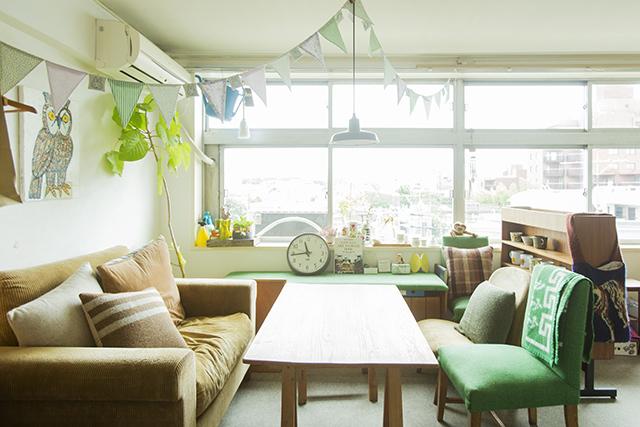 渋谷区の1960年代ビンテージマンションでおしゃれなインテリアに囲まれて二拠点居住しながら暮らすBOOKLUCK代表の山村光春さん_8