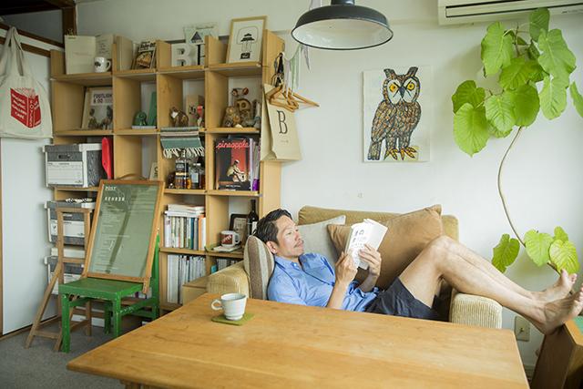 渋谷区の1960年代ビンテージマンションでおしゃれなインテリアに囲まれて二拠点居住しながら暮らすBOOKLUCK代表の山村光春さん_4