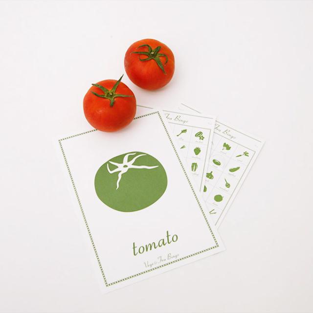 あらゆるものをデザインすることで地域産業協業活動をしているデザインチーム、セメントプロデュースデザインが大阪市城東区の活版印刷を得意とする印刷会社と協業して作ったのが、「ひらがなビンゴ」「アニマルビンゴ」「ベジフルビンゴ」です。かわいいフォント、タッチで描かれたひらがなや動物、野菜のカルタは知育オモチャとしてだけではなく、外国の方へのお土産にも人気です6