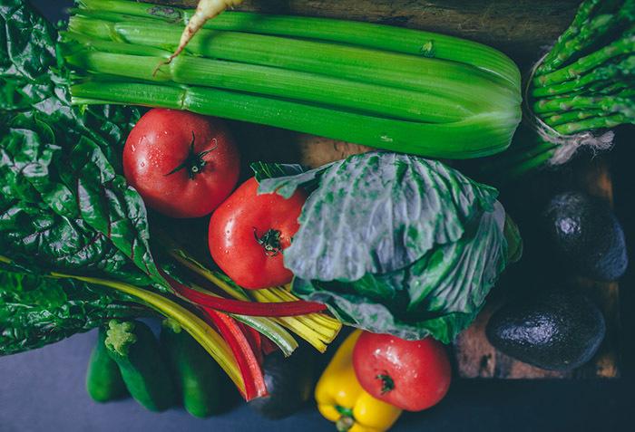 「すぐ枯らしてしまう」性格なためなかなか家庭菜園を続けられない人のための、育てやすい野菜と、その詳しい育て方をご紹介。レタスなどの葉野菜、トマト、キュウリ、ニンジン、カブ、ラディッシュ、サヤインゲン、ズッキーニなど。これさえ読めば、家庭菜園マスターになれるでしょう。top