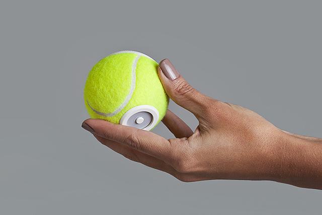 グランドスラムで使われているテニスボールの平均寿命は、なんと35分。そして一年間のボールの消費量23万個にも及びます。そうして消費されてしまった最高品質のボールに新しく命を吹き込むと、なんとワイヤレススピーカーになるんです。top