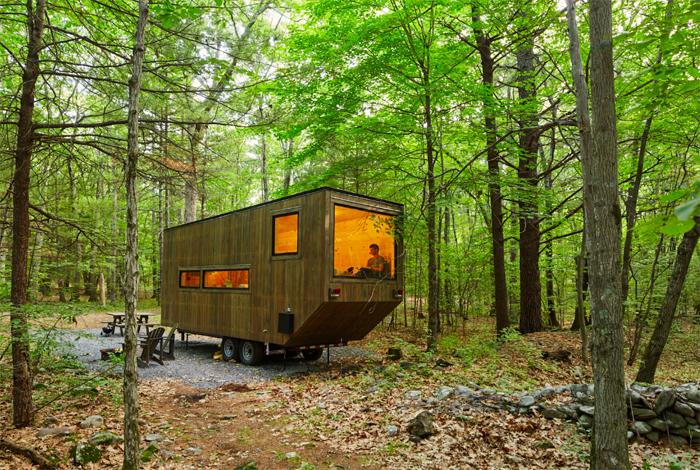 最近話題のタイニーハウスに、レンタルという新しい発想を掛け合わせて生まれたのが、get awayというサービス。森の中でのミニマルな暮らしを、したいときだけ満喫できます