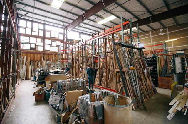 廃材で暮らしを豊かにする、ポートランドにあるDIY好きの聖地であるリビルディングセンターを信州諏訪に作るクラウドファンディング_1