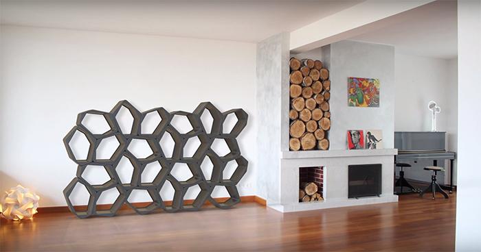 使い方は決められていない家具「BUILD modular furniture」のご紹介。どう使うかは、あなたの創造力次第です。通常家具の組み立てに使われている接着剤には、人体にとって有害な成分が含有されているのですが、「BUILD modular furniture」にはそれが含まれていないためより安全いなっています。top