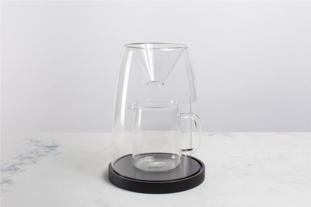 デザインスタジオManualによるコーヒーやティーを淹れる時間を楽しむ美しくおしゃれなガラスと木のコーヒーメーカー_2