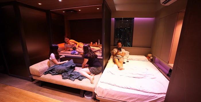 マイクロ建築は、以前は「ウサギ小屋」なんて称されていた住宅アイディア。しかし近年ではその突き抜けた省スペースさから、再評価されているようです。香港にあるすべてが可動する家は、そんなマイクロ住宅の好事例のひとつ。3