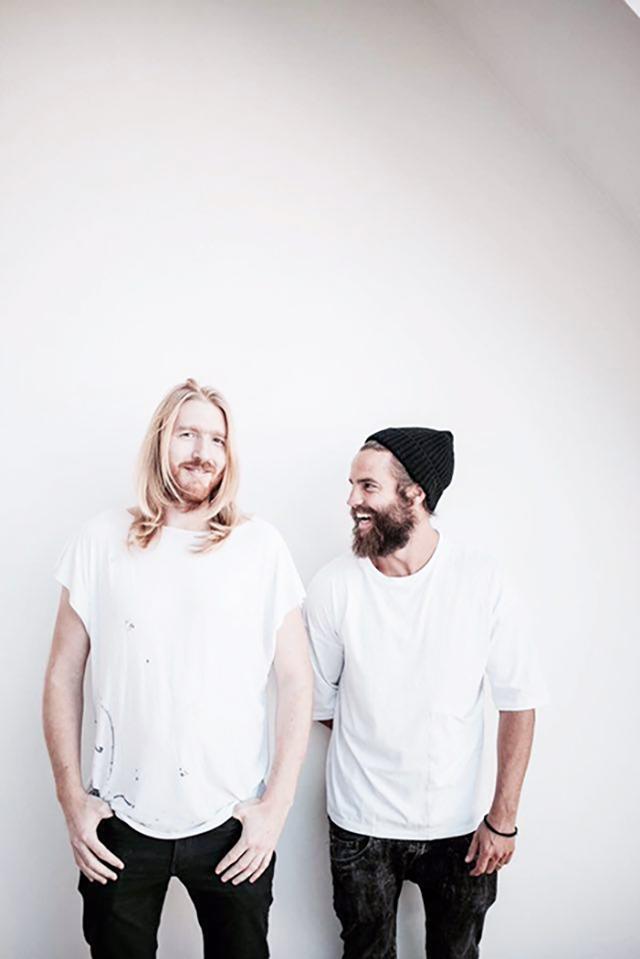 チェコの男性2人組デザイナーユニットJan Plechac & Henry Wielgsによるおしゃれでミニマルでシンプルなウォールオーガナイザー_1