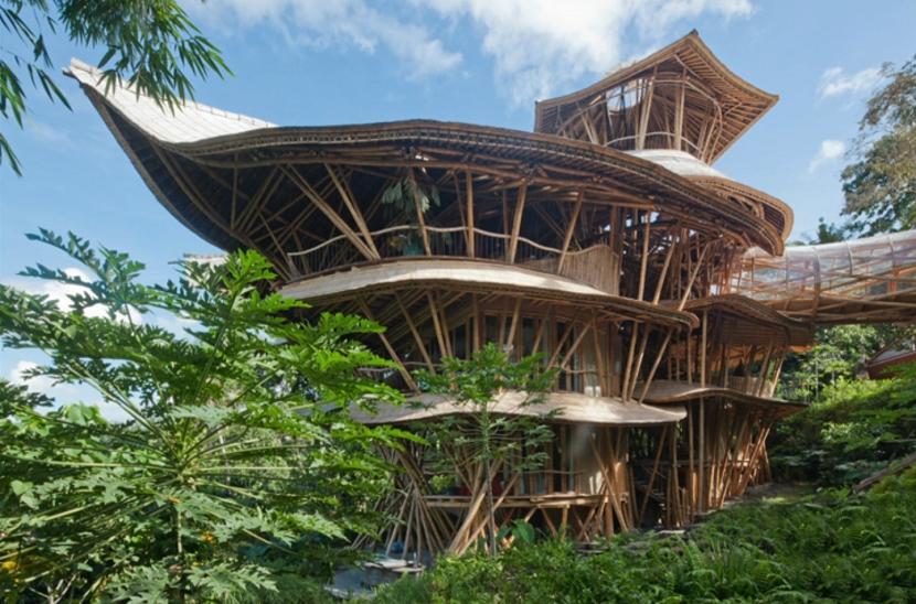 エローラ・ハーディー率いるデザイン集団IBUKUがTEDでプレゼンテーションしたバリ島の竹でできた建築グリーン・ビレッジ_3