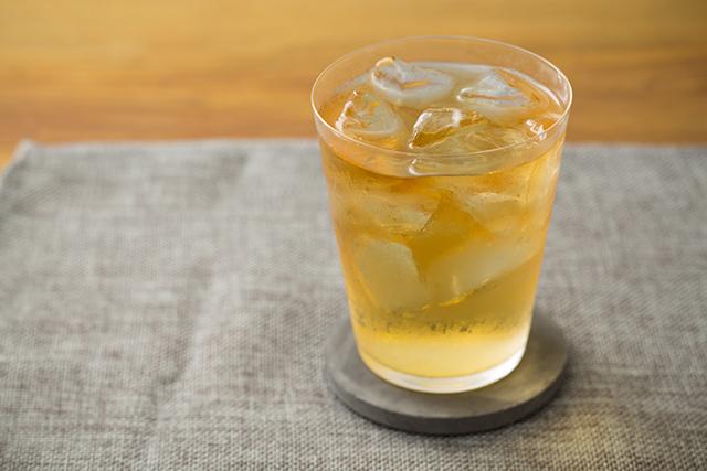 メイスイのソーダメーカーであるSODA MAKERを使って家で夏に飲みたい簡単でおしゃれな紅茶とみかんとモヒート風ミントのハイボールを作る_8