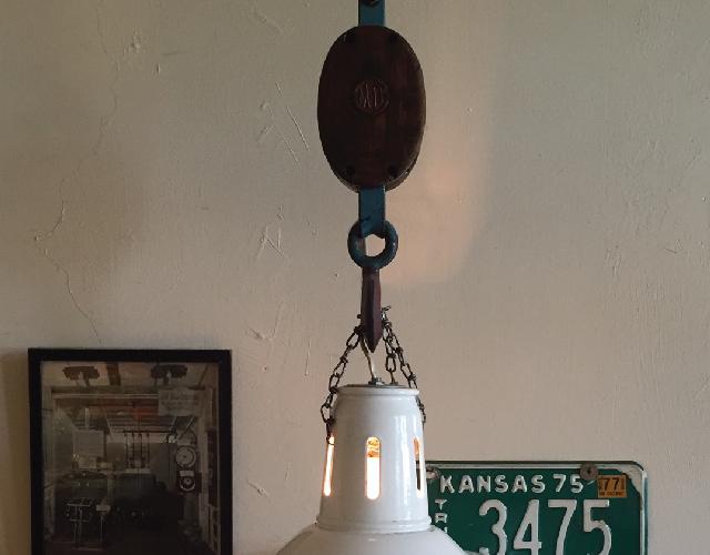 アメリカ・NY Brooklyn Williamsburg(ウィリアムズバーグ)で、アンティークの思い出の品に囲まれておしゃれに暮らす夫婦_20