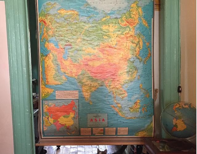 アメリカ・NY Brooklyn Williamsburg(ウィリアムズバーグ)で、アンティークの思い出の品に囲まれておしゃれに暮らす夫婦_22