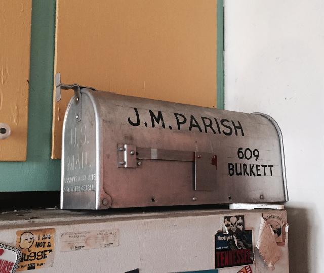 アメリカ・NY Brooklyn Williamsburg(ウィリアムズバーグ)で、アンティークの思い出の品に囲まれておしゃれに暮らす夫婦_13