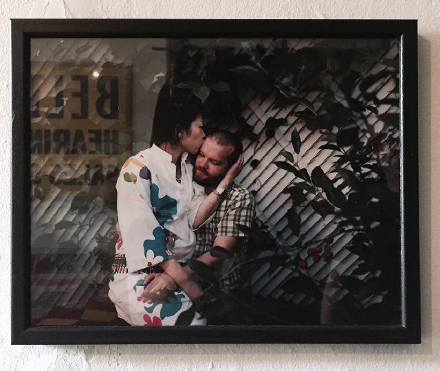 アメリカ・NY Brooklyn Williamsburg(ウィリアムズバーグ)で、アンティークの思い出の品に囲まれておしゃれに暮らす夫婦_1