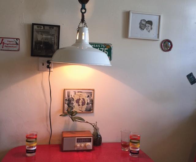 アメリカ・NY Brooklyn Williamsburg(ウィリアムズバーグ)で、アンティークの思い出の品に囲まれておしゃれに暮らす夫婦_23