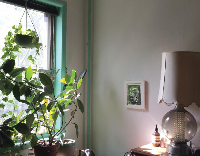 アメリカ・NY Brooklyn Williamsburg(ウィリアムズバーグ)で、アンティークの思い出の品に囲まれておしゃれに暮らす夫婦_11