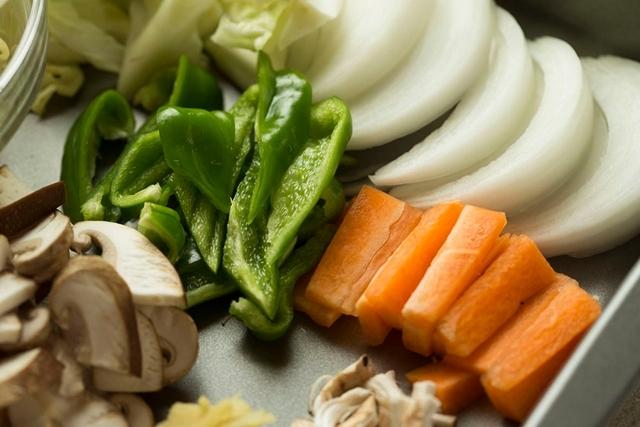 感動するほどおいしい定番の野菜炒めを作るポイント_2