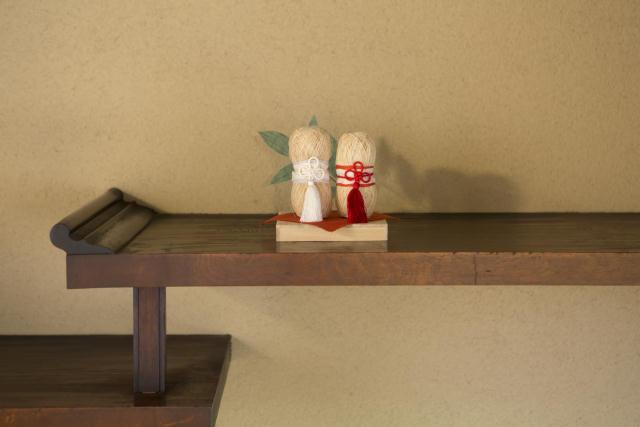 中川政七商店と町家を改修した宿泊施設「紀寺の家」が伝統的な家を大切に守ることを目的として2016年1月に設立した協同プロジェクトが「HOUSE HOTEL PROJECT」。今回は、奈良県で冬の生活を体験できます。2