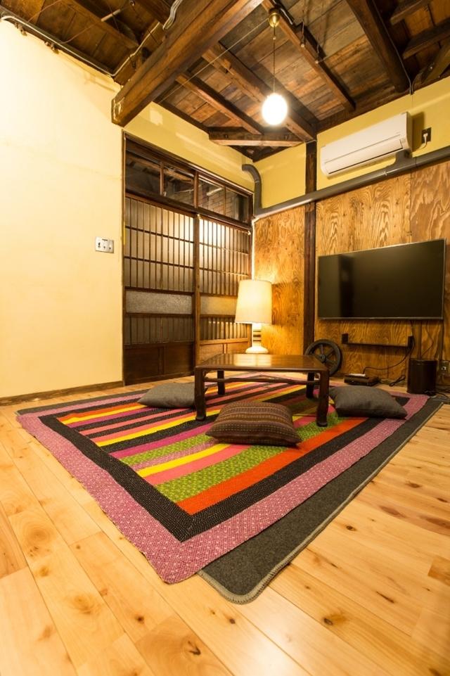 そんな恵まれた時代だからこそ、あえて「不便さ」を楽しみに出かけてみませんか?かつての宿場町・品川宿に佇む一棟貸し切り長屋ホテル「Bamba Hotel」の、レトロでモダンで、なつかしくてあたたかいおもてなしをご紹介します。7