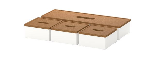 イマイチ気に入ったデザインの貯金箱に出会えないならば、IKEAのふた付きボックス「KVISSLE」を使ってみてはいかがでしょうか。本来貯金箱ではないためフタを簡単に開けられるので、カジュアルな貯金に便利です。1