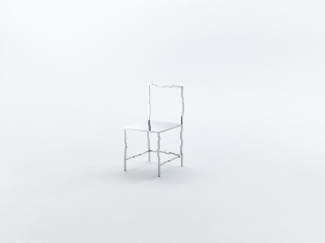 佐藤オオキ率いるデザインオフィス「nendo」が、ニューヨークのフリードマン ベンダ ギャラリーのために制作したマンガがモチーフの50脚のイス「50 manga chairs」をご紹介。ぼやかしが入ったように見えるイス。