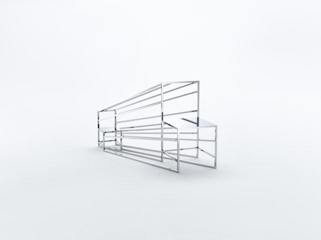 佐藤オオキ率いるデザインオフィス「nendo」が、ニューヨークのフリードマン ベンダ ギャラリーのために制作したマンガがモチーフの50脚のイス「50 manga chairs」をご紹介。素材は鏡「ミラー」を使用している。