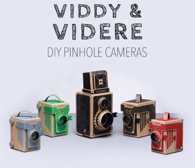 簡単にトイカメラがDIYで作れてしまう工作キット「The Pop-up Pinhole」の「VIREDE」と「VITTY」をご紹介。「VITTY」はカラーが選べます。カメラ女子必見です。