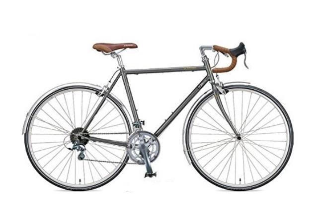ずっと自転車に興味を持ちながらも、キッカケを失っている人も多いはず。この秋、自分の世界を広げてくれるパートナーを探してみましょう。通勤に使うなら、主張しすぎない「Kabuto」のヘルメット。「キャノンデール」の小物や、ハイスペック自転車「ディアゴナール」など。2