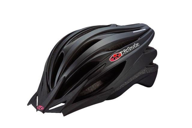 ずっと自転車に興味を持ちながらも、キッカケを失っている人も多いはず。この秋、自分の世界を広げてくれるパートナーを探してみましょう。通勤に使うなら、主張しすぎない「Kabuto」のヘルメット。「キャノンデール」の小物や、ハイスペック自転車「ディアゴナール」など。4