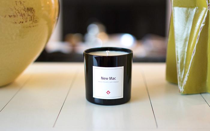 なんと「新品のMacの香り」をいつでも楽しめるキャンドル「New Mac Candle」が登場。Apple製品の関連製品を製造・販売するTwelve Southから発売。ソイワックス100%、アメリカ・チャールストンで手作りと品質にもこだわったキャンドルです。1