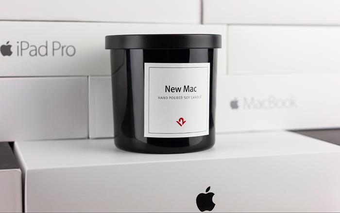 なんと「新品のMacの香り」をいつでも楽しめるキャンドル「New Mac Candle」が登場。Apple製品の関連製品を製造・販売するTwelve Southから発売。ソイワックス100%、アメリカ・チャールストンで手作りと品質にもこだわったキャンドルです。3