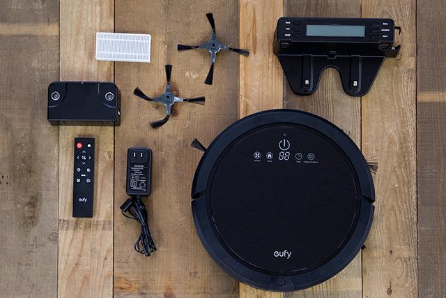 ロボット掃除機って、実際どれくらい便利なの? 誰もが感じたことのある疑問に答えるべく、Anker社の新家電ブランド「eufy(ユーフィ)」の「RoboVac 20」をレビューしました。良いところと気になるところをまとめたので、導入を検討している方はご参考にどうぞ。2