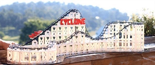 クラウドファウンディングindiegogoで注目を集めている、傾斜を作れるレゴ「The Cyclone」を紹介します。従来のレゴでは、傾斜を作り上げることは難しいですよね。「The Cyclone」があれば、ダイナミックなジェットコースターなどの傾斜が簡単に作れます。
