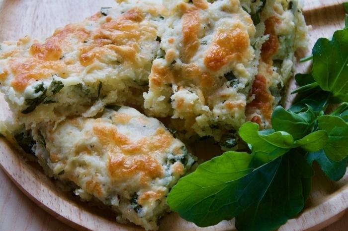 手軽に作れる「ルッコラとチーズのスコーン」のレシピ。隠し味の一味唐辛子が、冬の寒さを冷えた体をあたためてくれる。生地作りをスムーズにするコツは、バターを冷蔵庫でしっかりと冷やしておくこと。