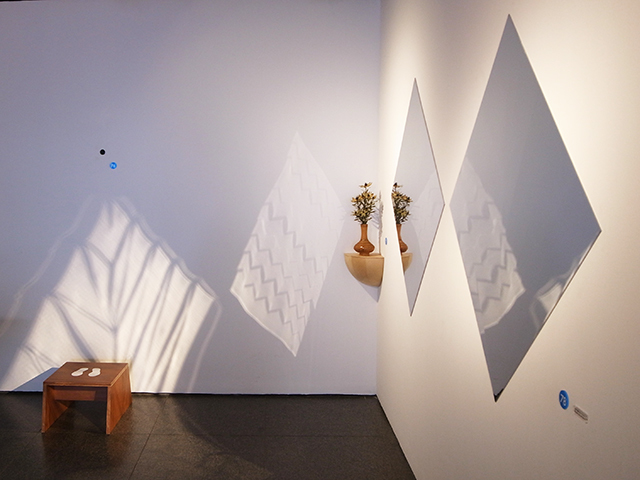 建築の情報を発信するTOTOギャラリー・間では、鈴野浩一さんと禿真哉さんによる、空気の器やKLASKAを設計した建築家ユニット・トラフ建築設計事務所の個展を開催中。訪れる人を楽しませることを主眼に置き、トラフ建築設計事務所の世界に引き込む今回の展覧会は、秋のお出かけやデートにぴったりです。4