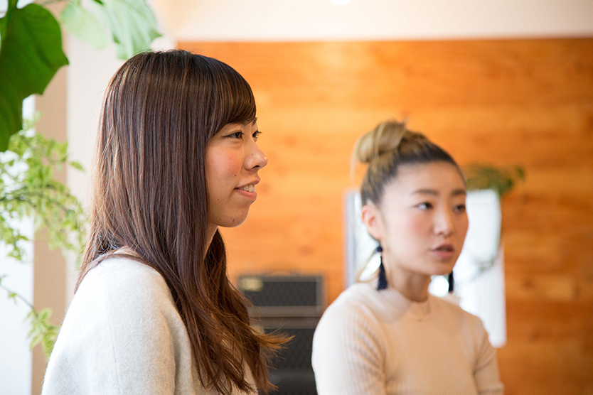 tsukuruba(ツクルバ)が運営するcowcamoは、中古住宅のオンラインマーケット。物件のスペックだけでは語り尽くせない、住まいの「ストーリー」を伝えるcowcamoコンテンツチームの伊勢谷亜耶子さん、若菜五月さん、平野翔子さんにお話をうかがった。リノベーション済みヴィンテージマンションの見極め方とは_7