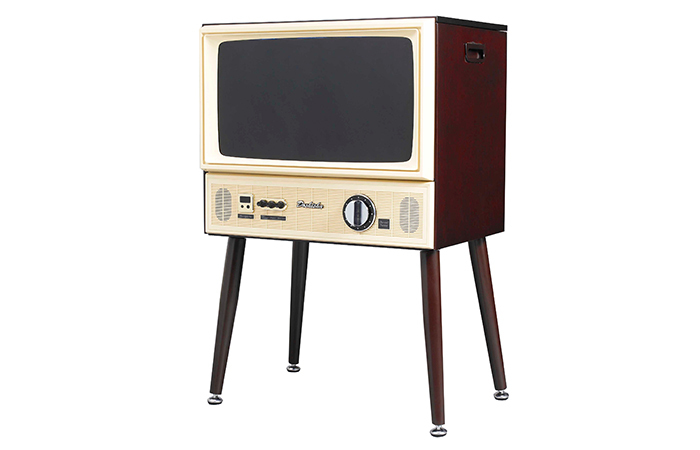 株式会社ドウシシャから11月中旬に発売される、チャンネル切換と音量調整がダイヤル方式のヴィンテージテイストなテレビ「20型3波液晶テレビ」を紹介します。1970年代のブラウン管テレビをデザインモチーフとしてリアルな操作感や懐かしさを再現しています。