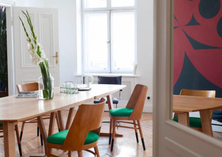 東欧ポーランド・ワルシャワのデザインホテル「autor room」。若手クリエーターたちが、築100年のホテルをリノベーションした4室のみの贅沢な空間。ポーランドのアートとデザインを意識した、こだわり抜かれた空間だ。12