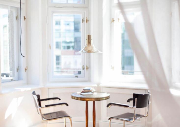 東欧ポーランド・ワルシャワのデザインホテル「autor room」。若手クリエーターたちが、築100年のホテルをリノベーションした4室のみの贅沢な空間。ポーランドのアートとデザインを意識した、こだわり抜かれた空間だ。11