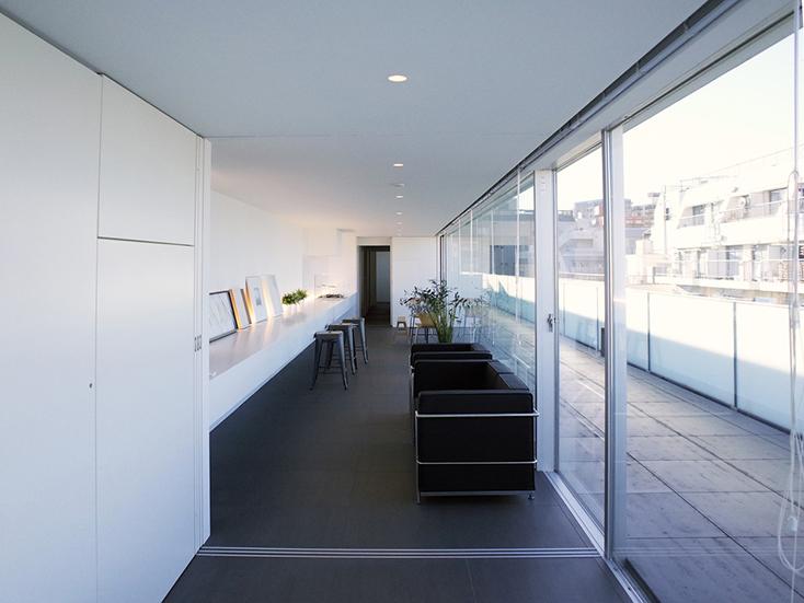 タカギプランニングオフィスが紹介する、有名建築家の作品に住めるおしゃれなデザイナーズの賃貸住宅が東京のど真ん中、大塚にある。「Treform」は有名建築家、西沢立衛、千葉学、小川晋一がそれぞれ設計した3棟からなる賃貸の集合住宅で魅力的。7
