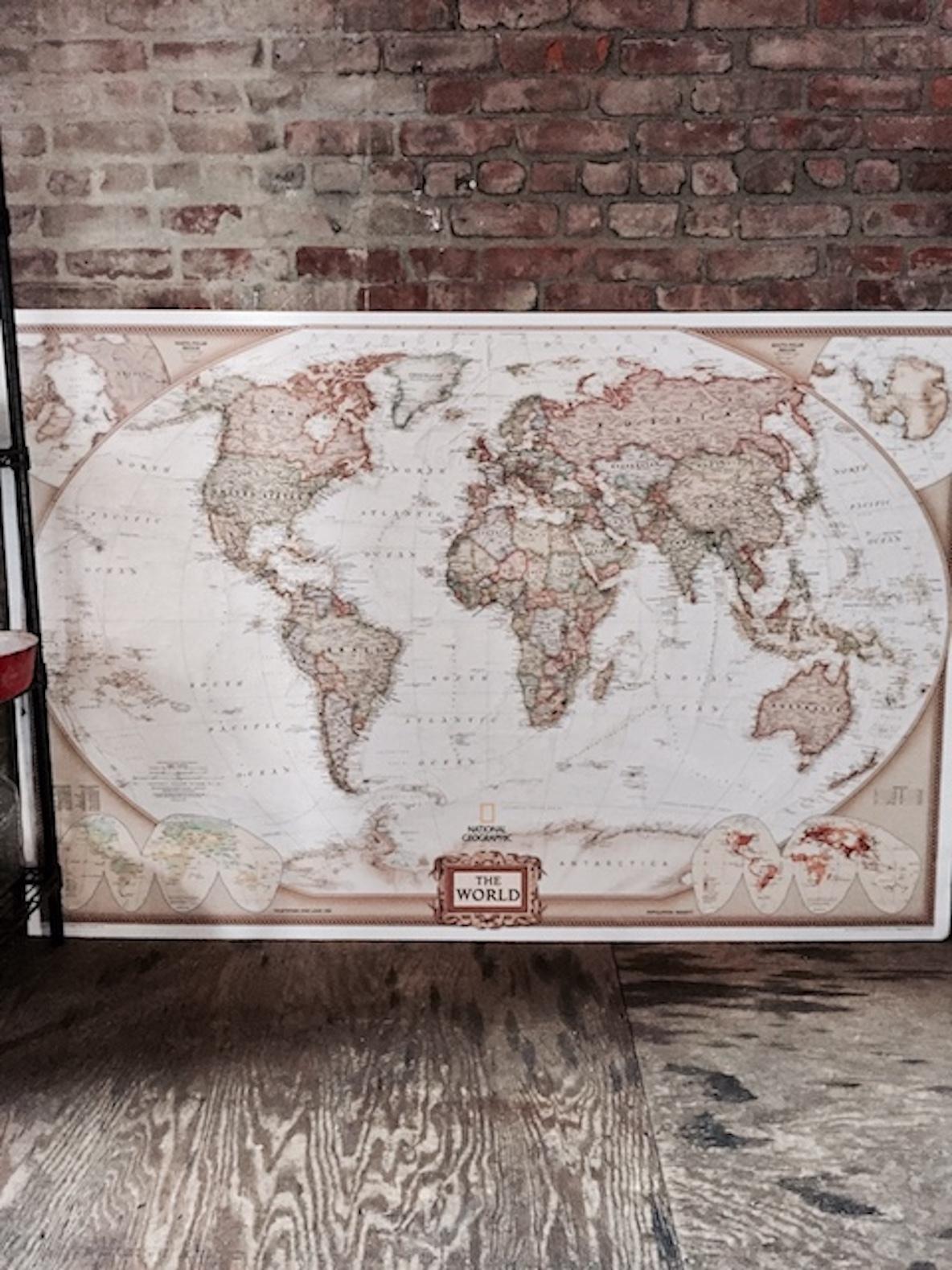 アマゾンで購入した古い世界地図