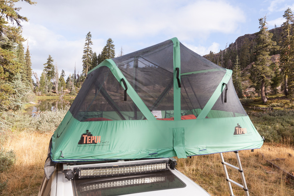 アメリカのアウトドアブランド・TEPIU Tentsの「Baja Series」は車の屋根に取り付けるテント