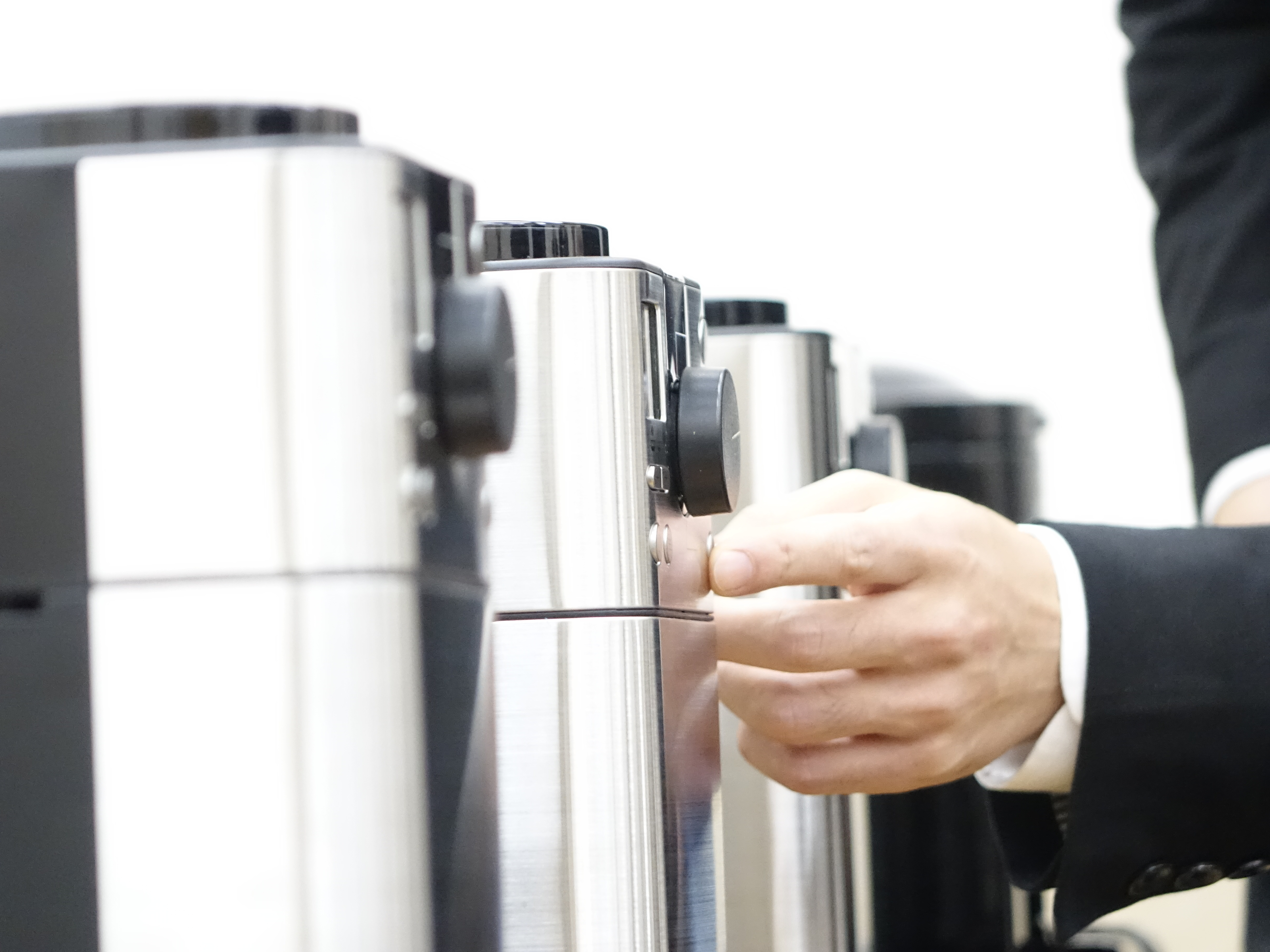 平日の朝にコーヒーが楽しめる豆から挽けるコーヒーメーカー