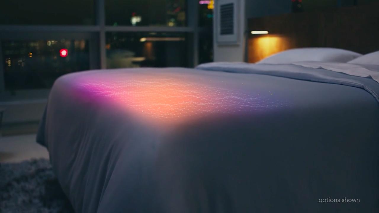 より良い睡眠を取るための完璧なサポートを提供するスマートベッド「THE SLEEP NUMBER 360™ SMART BED」の紹介。姿勢、呼吸、温度の他、睡眠の質を数値化し、あなたの体調を算出、適した運動量まで教えてくれる。-7